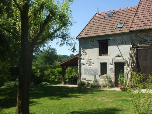 . Beautiful Holiday Home in Pionsat Auvergne with Garden