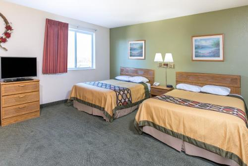 Super 8 By Wyndham West Middlesex/Sharon Area - West Middlesex, PA 16159