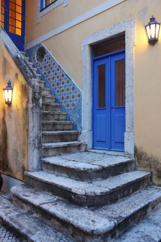Rua das Cozinhas, 2, 1100-181, Lisbon, Portugal.