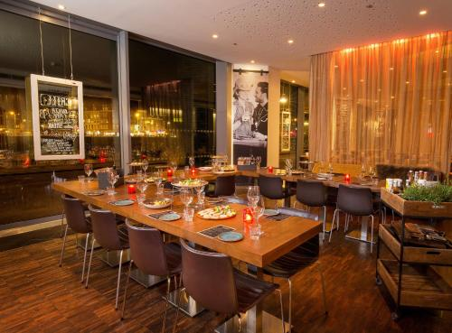 DoubleTree by Hilton Amsterdam Centraal Station photo 20
