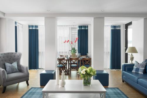 Princes Street Suites, Edinburgh