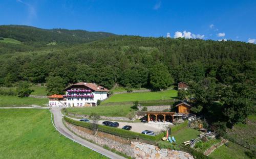 Gasthof Albergo Kircher Sepp - Hotel - Barbiano