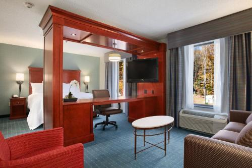 Hampton Inn & Suites Hartford/Farmington - Farmington, CT 06032