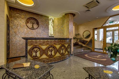Khan Chinar Hotel