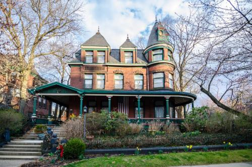 The Gables Bed And Breakfast Philadelphia - Philadelphia, PA 19143