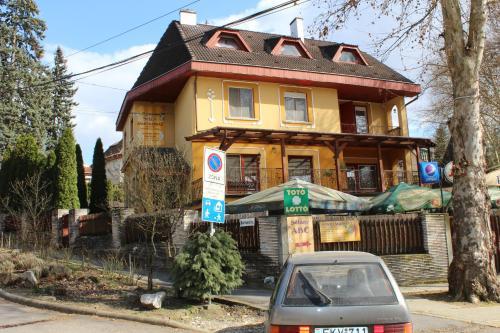 . Herczeg Apartment