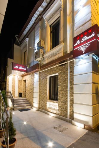 La Strada Boutique Villa
