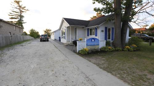Riverfront Cottages - Photo 6 of 25