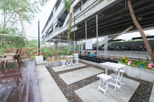 NTY Hostel Near Suvarnabhumi Airport photo 15