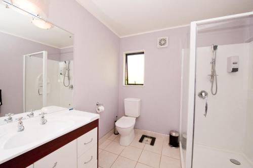 King Lodge Room with Private Bathroom