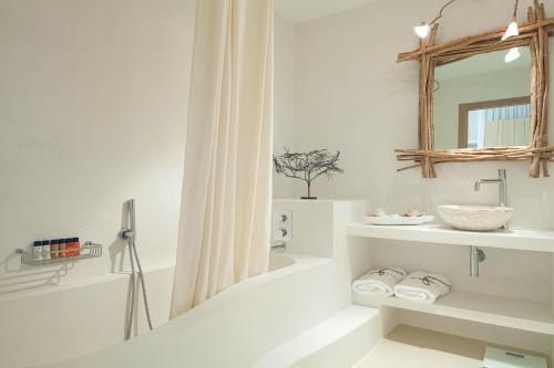 Superior Doppel- oder Zweibettzimmer mit Zugang zum Spa  Hotel Es Marès 14