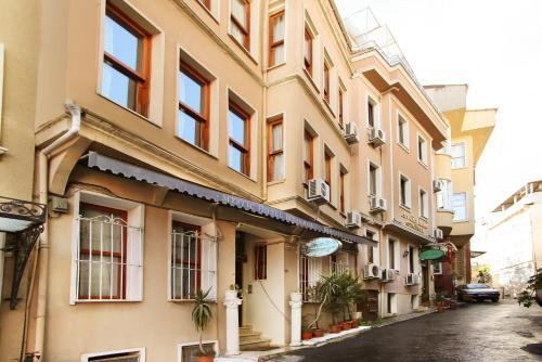 Istanbul Theodian Hotel tek gece fiyat