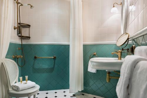 Hotel de Neuve by Happyculture photo 29