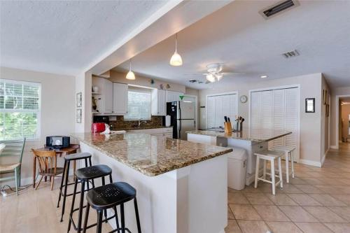 Tropical Manor - Fort Myers Beach, FL 33931