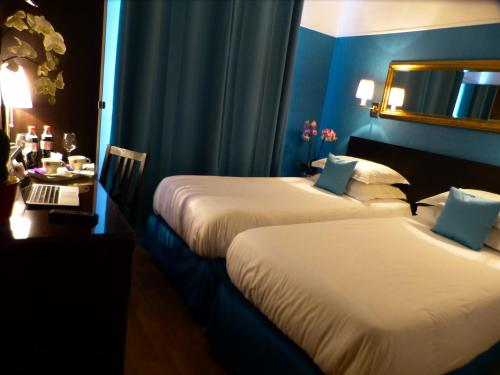 Hotel Tamaris - Hôtel, 14, rue des Maraîchers 75020 Paris
