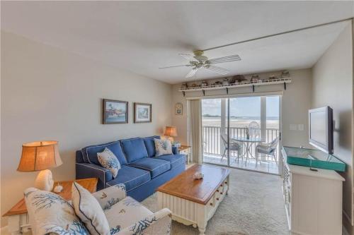 Castle Beach 105 - Fort Myers Beach, FL 33931