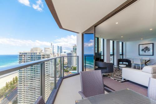 Bonus Offer - Two Bedroom Apartment with Ocean View (No housekeeping) and SkyPoint Access