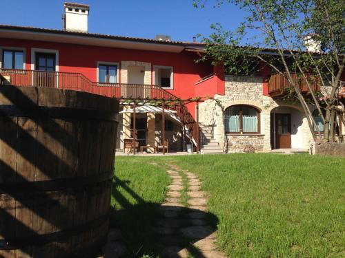 . La Valeriana Farm Apartments