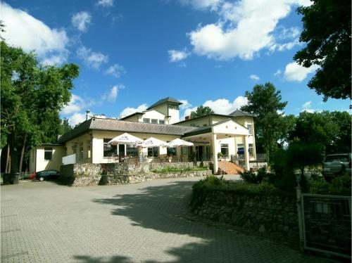 . Hotel Dlugie