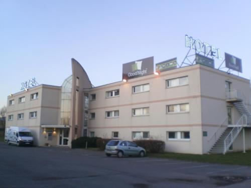 . Good Night Hotel