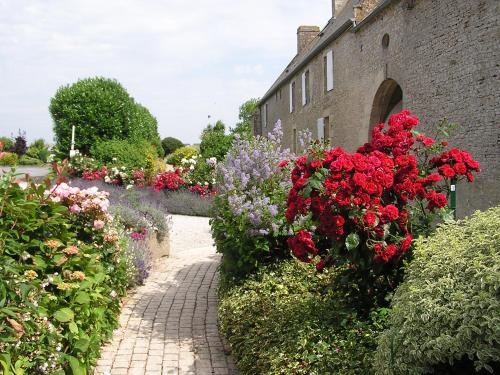 D65, 14480 Crépon, Normandy, France.