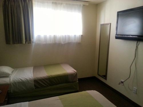 Studio 6 Del Rio Two-Bedroom Suite - Smoking