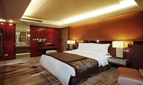 Фото отеля Chongqing Empark Grand Hotel