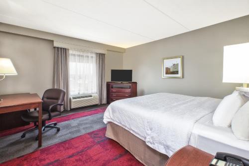 Hampton Inn & Suites Madison - West in Madison