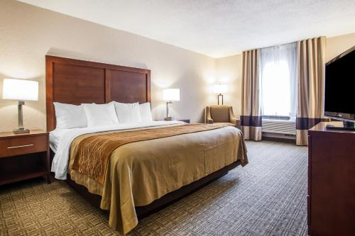 Hotels Near Comfort Inn St Louis Westport Saint Louis Triphobo