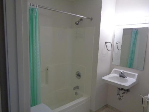 Riverview Suites Apartments On First Street - Rochester, MN 55906