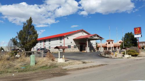 9 Motel