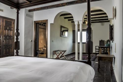 Habitación Doble Superior Hotel Castillo de Monda 9