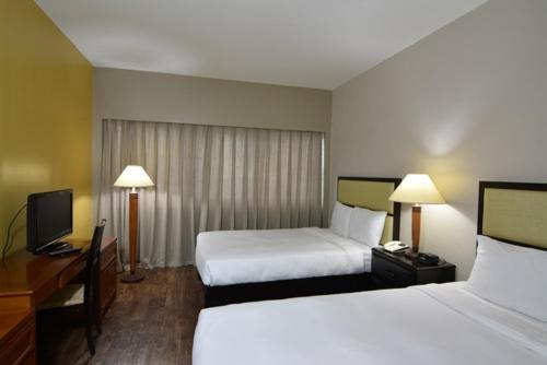 Pacific Bay Hotel room photos