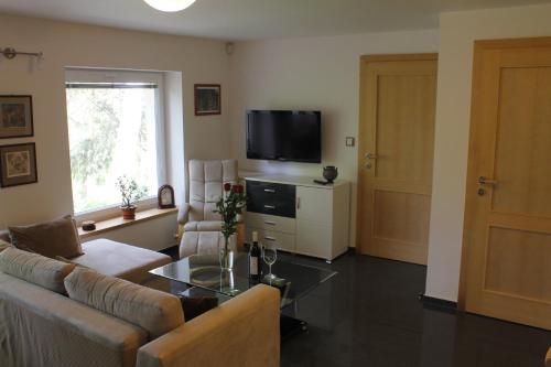 Apartment Dejvice - image 5
