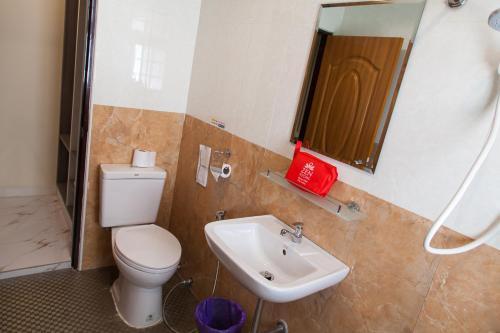 ZEN Rooms Samsen 3 photo 11