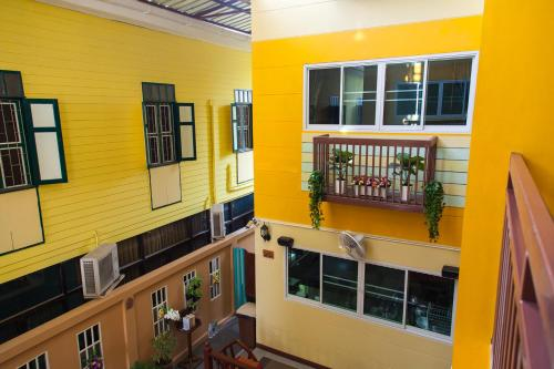 ZEN Rooms Samsen 3 photo 12