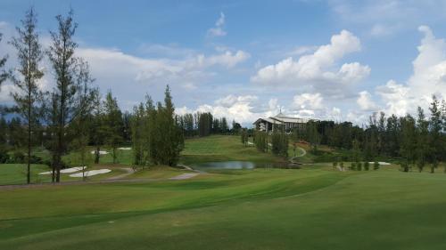 Austin Heights Golf And Hotel Resort