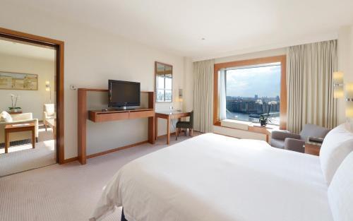 Canary Riverside Plaza Hotel photo 4