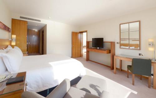 Canary Riverside Plaza Hotel photo 5