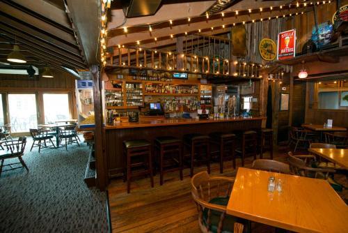 Brown County Inn - Nashville, IN 47448