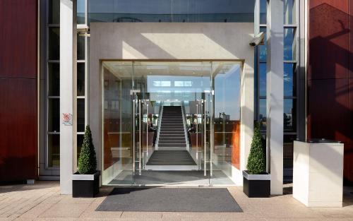 Canary Riverside Plaza Hotel photo 42