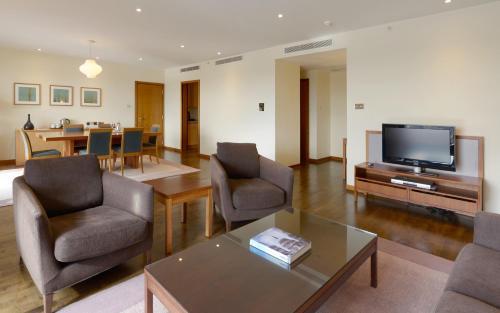 Canary Riverside Plaza Hotel photo 54