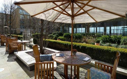 Canary Riverside Plaza Hotel photo 67