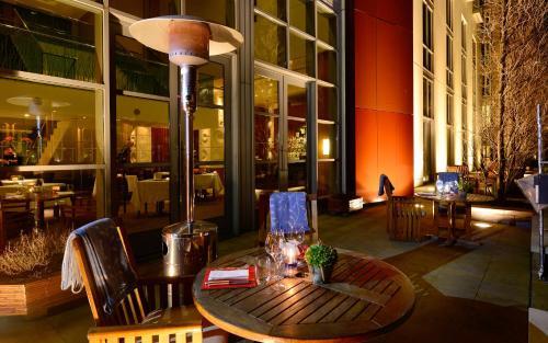 Canary Riverside Plaza Hotel photo 68