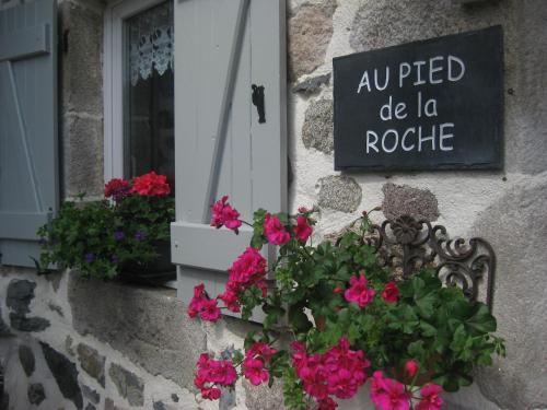 . Au Pied de la Roche