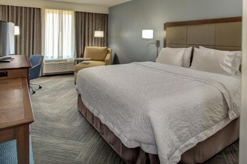 Hampton Inn & Suites at Colonial TownPark in Lake Mary