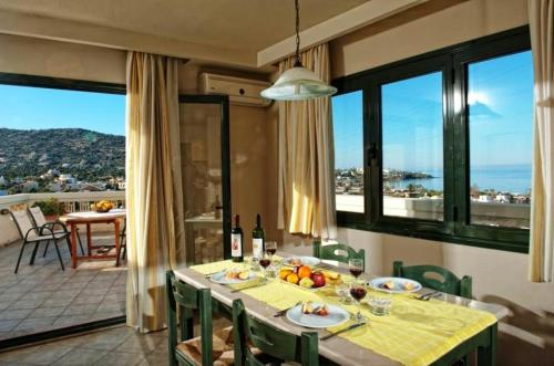2-Bedrooms Family Apartment with Sea View (5 Adults)