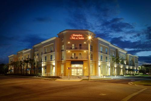 . Hampton Inn and Suites by Hilton Vero Beach-Downtown