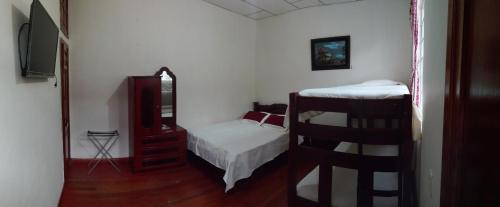 Hotel Alcayata Colonial room photos