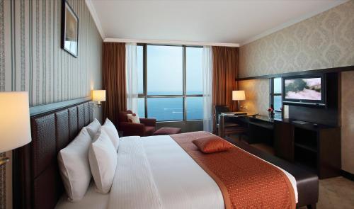 . Grand Hotel